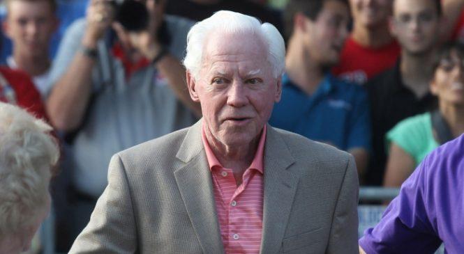 Former New York Yankees pitcher Edward 'Whitey' Ford dies at 91