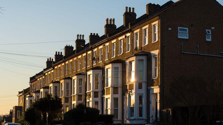 Mortgage boom helps Lloyds to third quarter profit