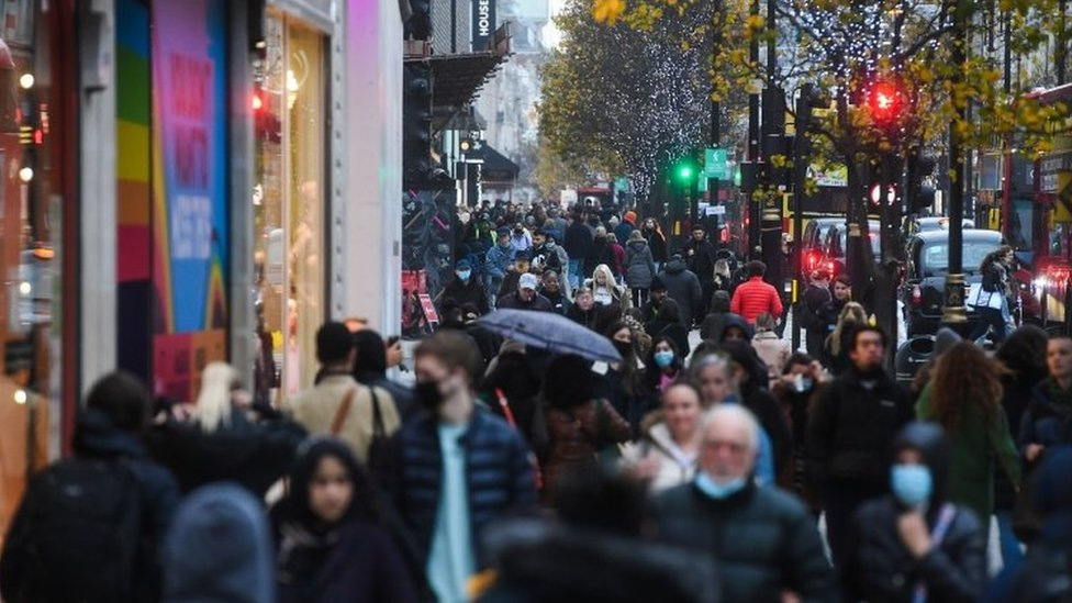 Shoppers on Oxford Street in London