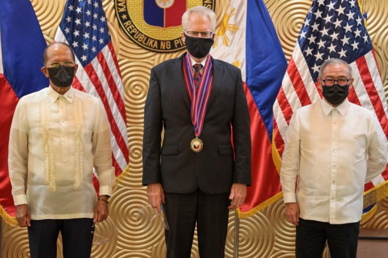 Miller announces transfer of $29.3M in equipment to Philippine military