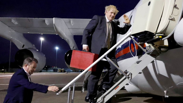 PM in Brussels for crunch Brexit talks – promising UK 'will prosper mightily'