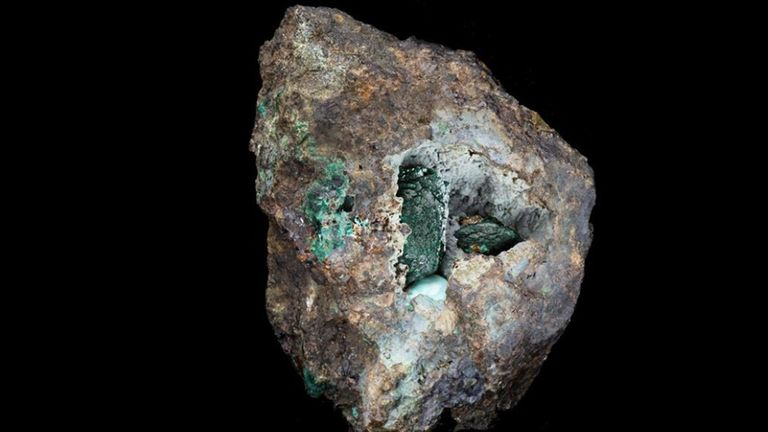 New mineral discovered on rock mined in Cornwall over 200 years ago