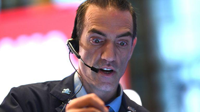 FTSE 100 suffers worst year since 2008 – but Wall Street rebounds