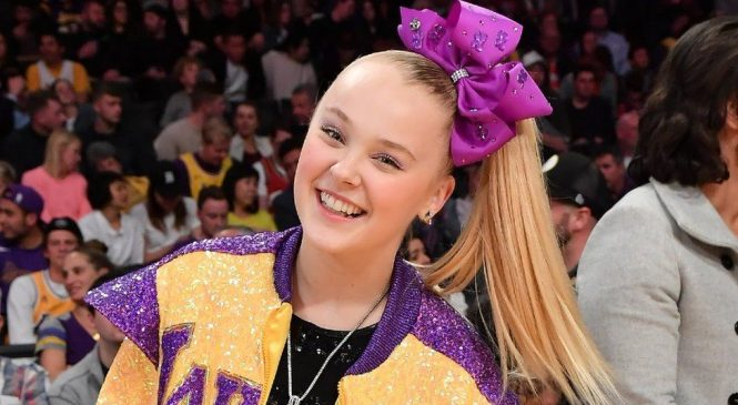 JoJo Siwa: YouTube star 'never been this happy' after coming out