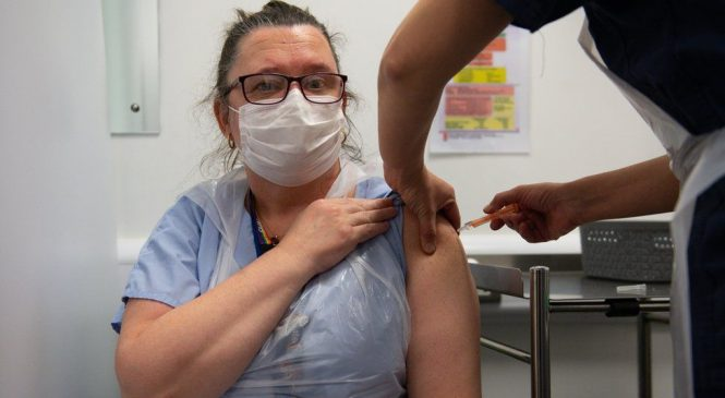 Covid: All over-50s in UK to be offered vaccine by May