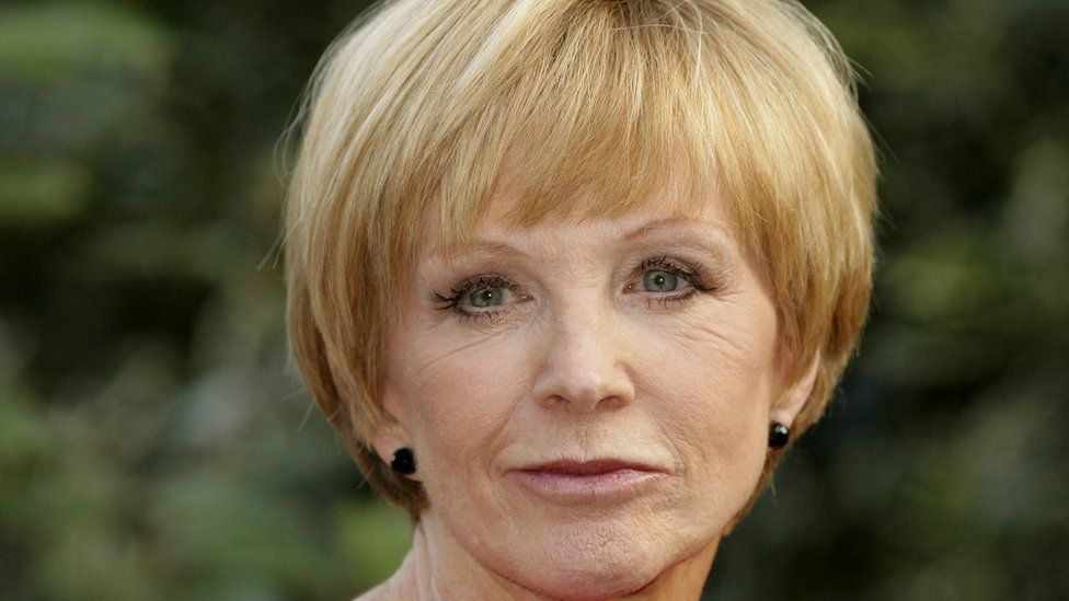 Anne Robinson to become the new host of Countdown