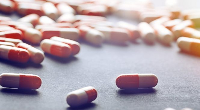 CDC warns of antibiotic-resistant infection outbreaks in COVID-19 care units