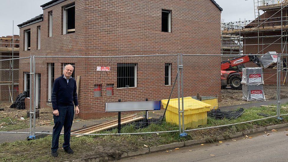 House builders 'should drop appalling gagging orders'