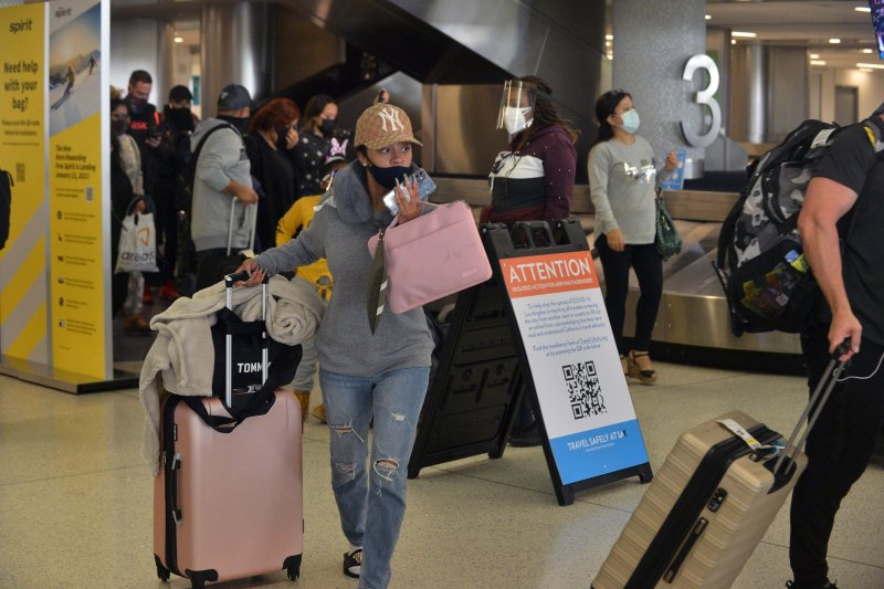 TSA reports highest daily travel numbers in year despite COVID-19 variant worries