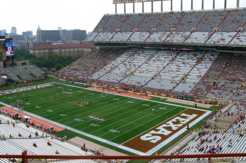 Texas pauses spring football practice for COVID-19 'impacted' athletes