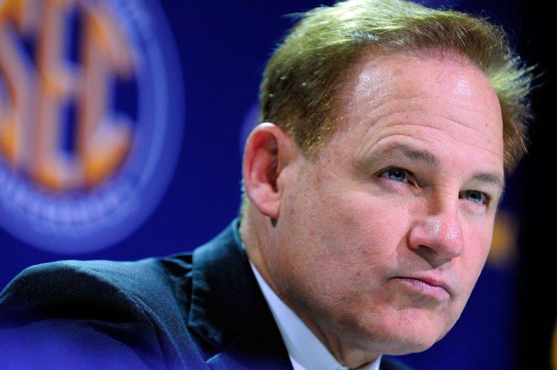 University of Kansas puts football coach Les Miles on leave