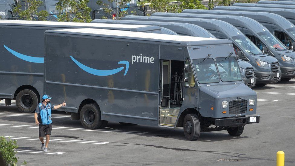 Amazon apologises for wrongly denying drivers need to urinate in bottles