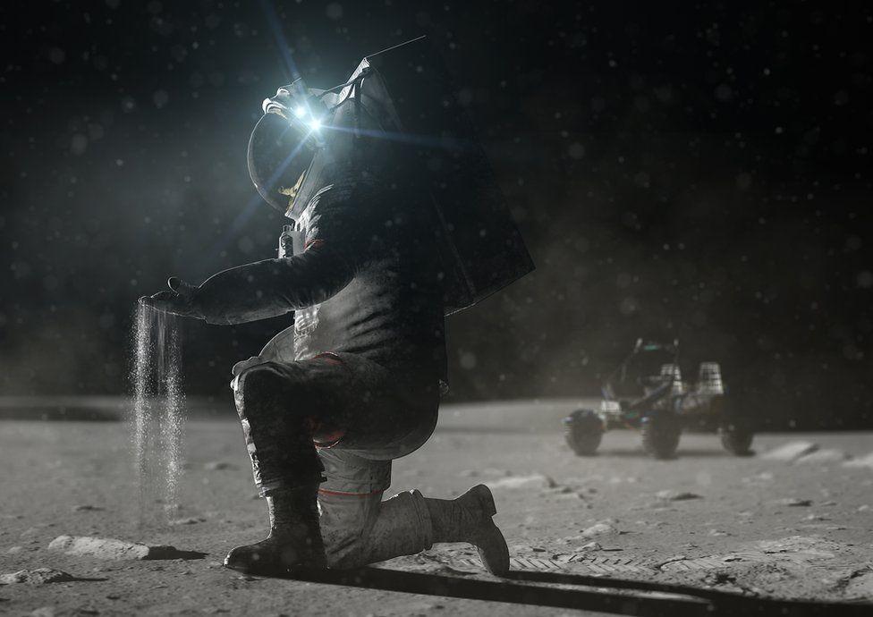 Astronaut on Moon
