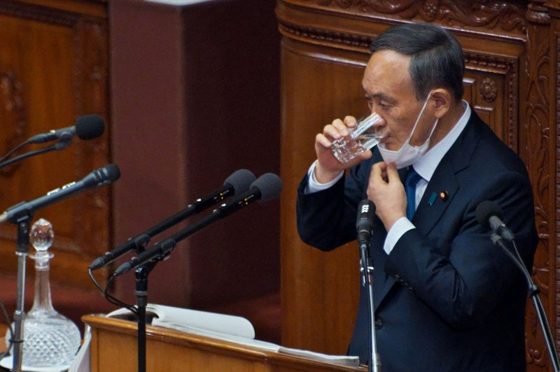 Poll shows majority of Japanese want prime minister to resign soon