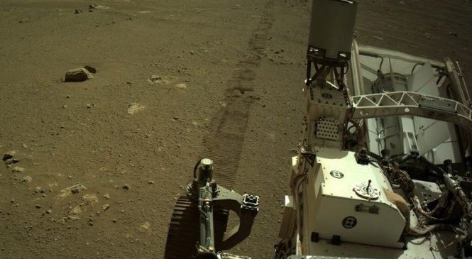 Perseverance rover takes selfie with Ingenuity helicopter